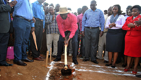 Governor Okoth Obado at the ground-breaking ceremony for the construction of Ntimaru Market shade